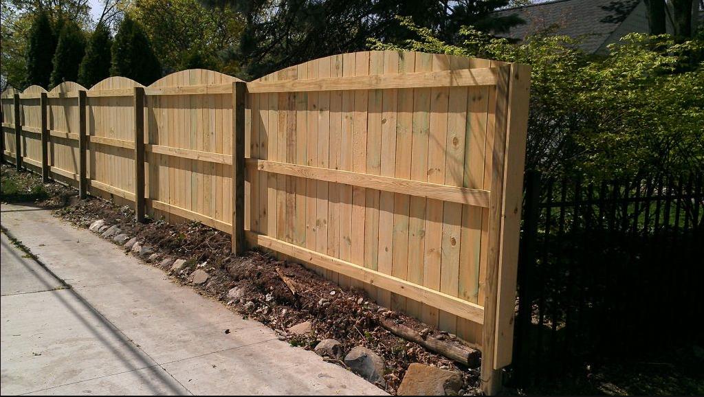 pagar dinding kayu
