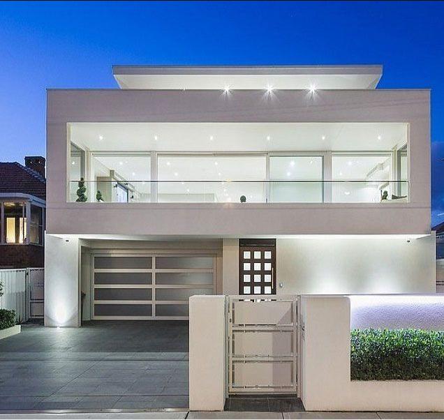 rumah minimalis putih