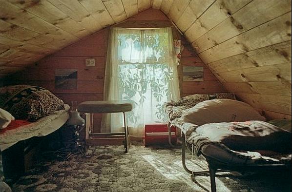 kamar tidur lantai atas
