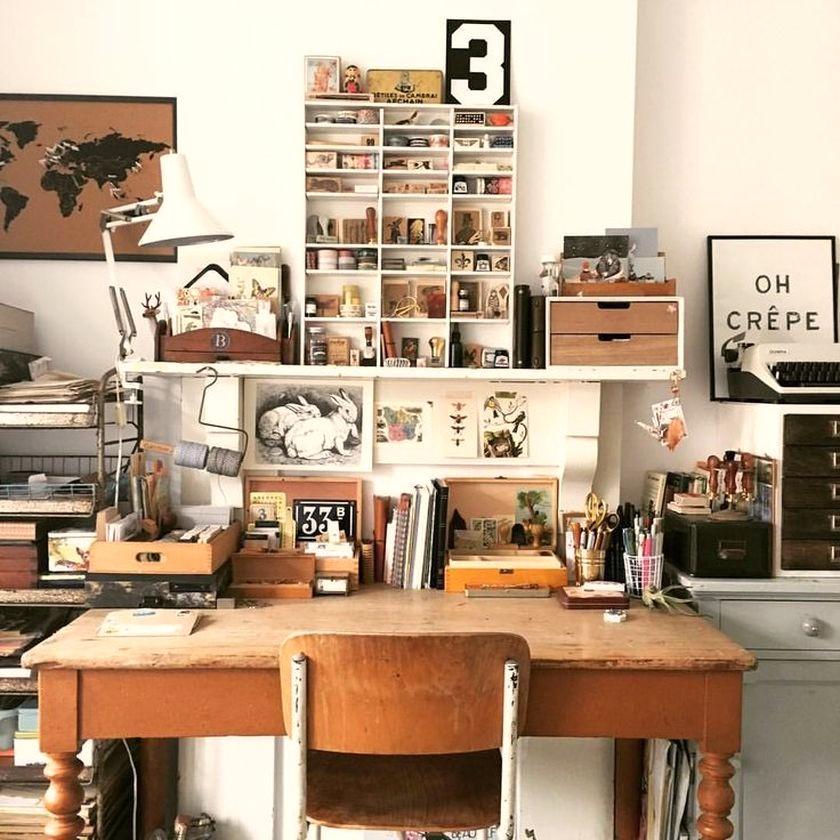 ruang kerja minimalis artsy
