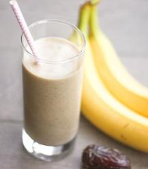 minuman segar banana dates smoothies