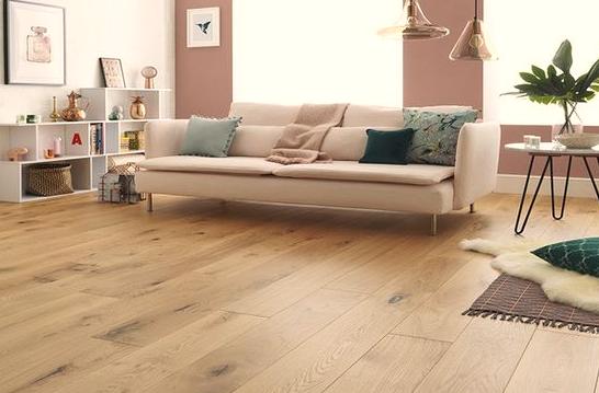 lantai kayu untuk ruang tamu vintage minimalis