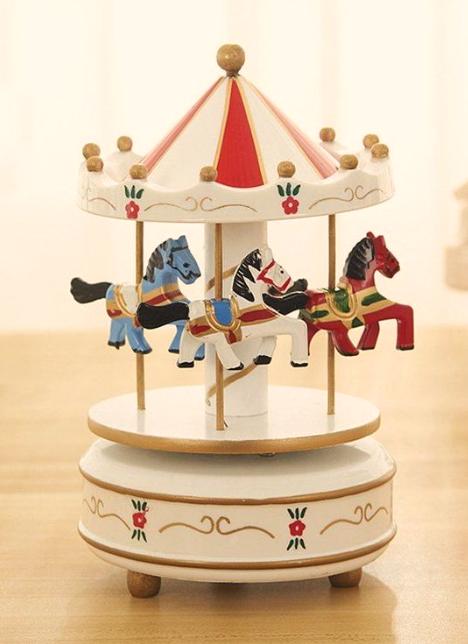 kotak musik dekorasi unik