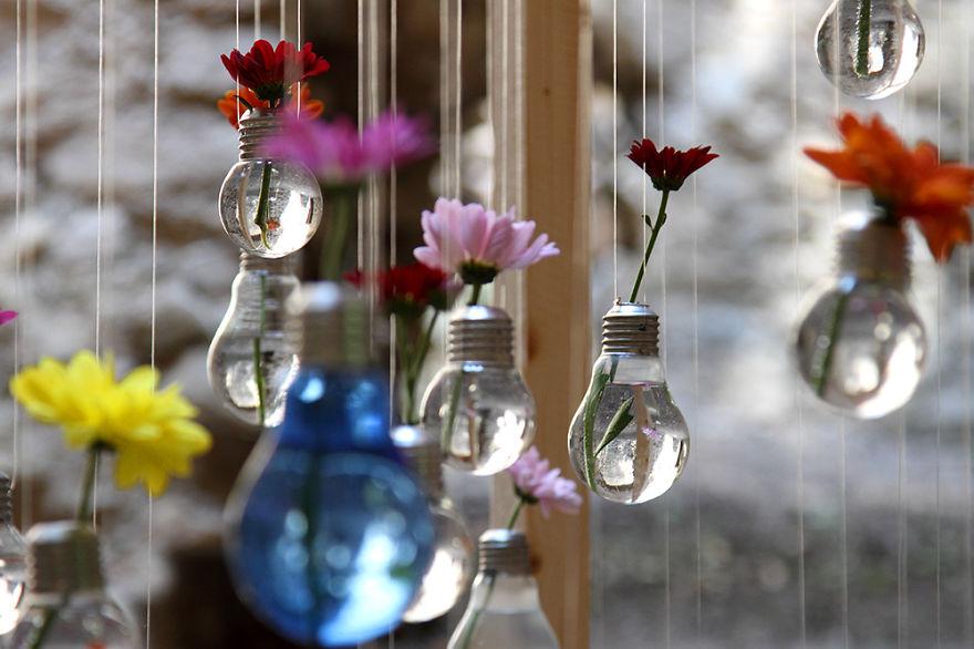 Cara Membuat Pot Bunga Dari Bohlam Lampu