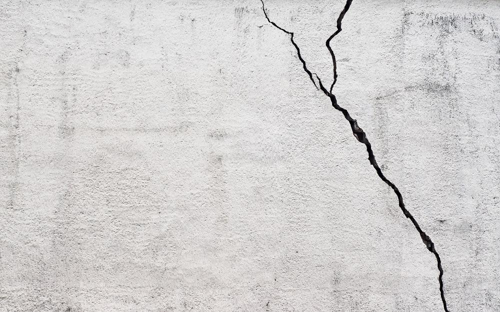 cara-memperbaiki-retakan-tembok-qhomemart-3