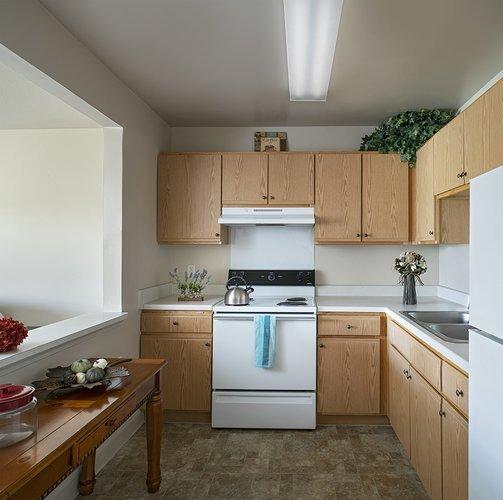 Space dinding dapur terbuka Kitchen Set Minimalis Modern