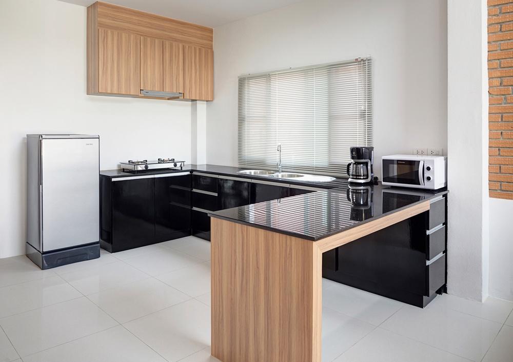kitchen set sederhana sentuhan hitam