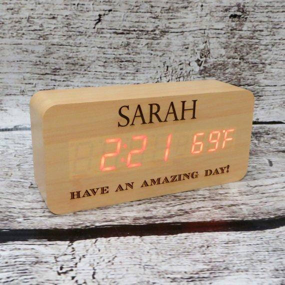 Jam Digital Casing Kayu