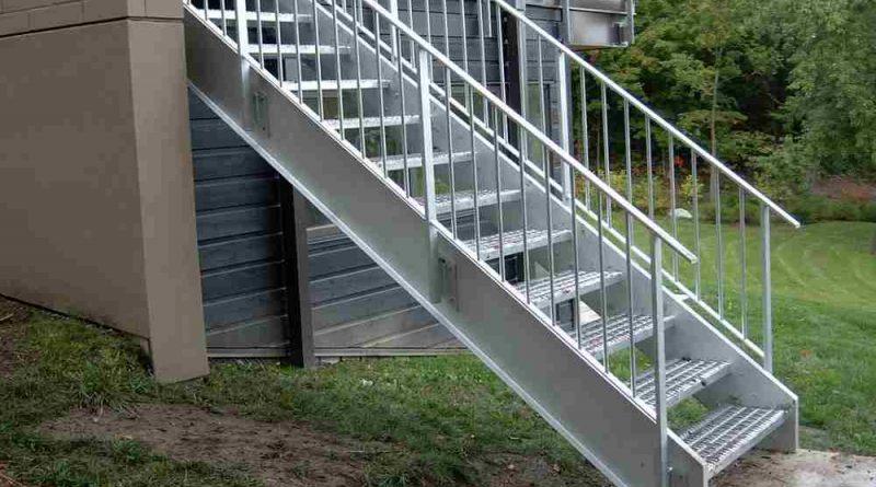 harga tangga besi